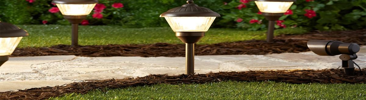 Осветление и декорация в градината
