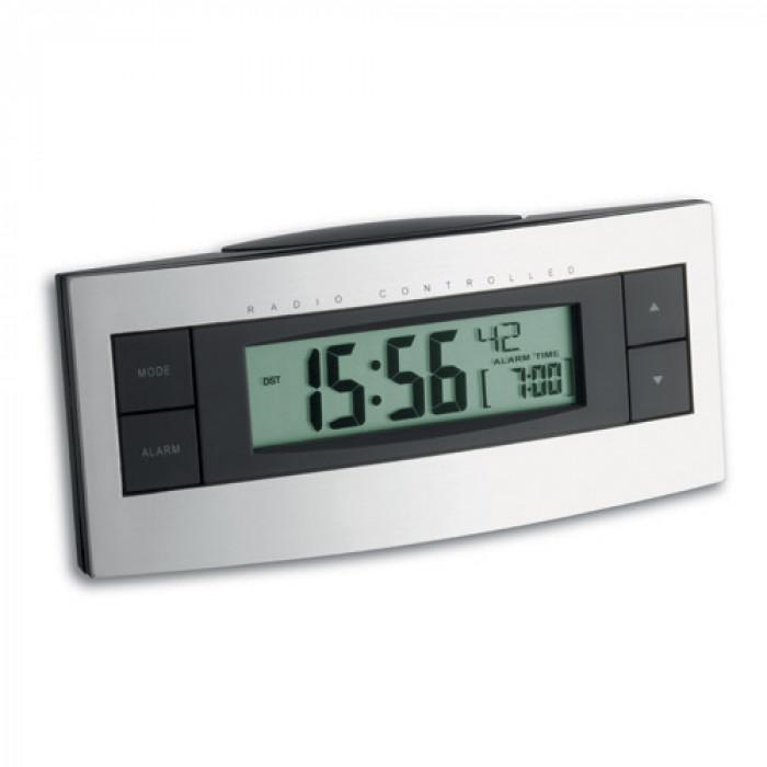 Будилник дигитален дата автом радио сверяване   56x128x44 mm