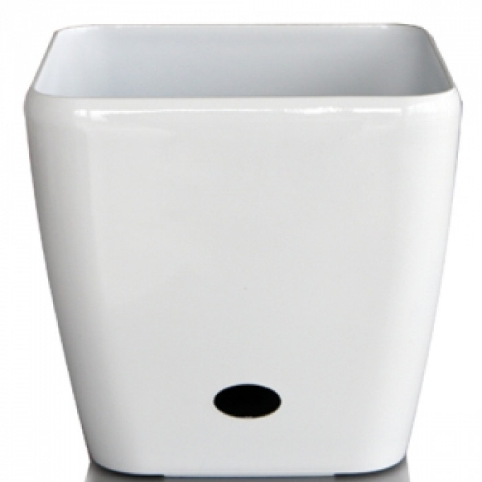 Квадратна бяла саксия с напоителна система