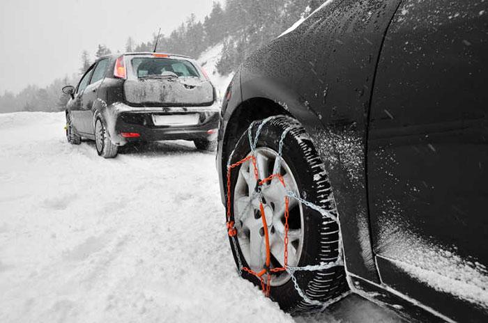 С автомобил през зимата