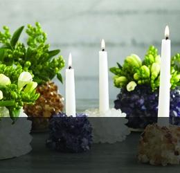 Свещи, свещници и изкуствени цветя