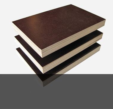 Дървен материал и плоскости